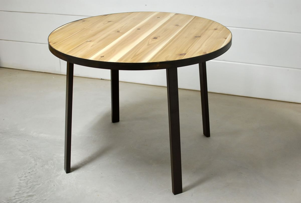 Falabella Round Dining Table With Solid Steel Base